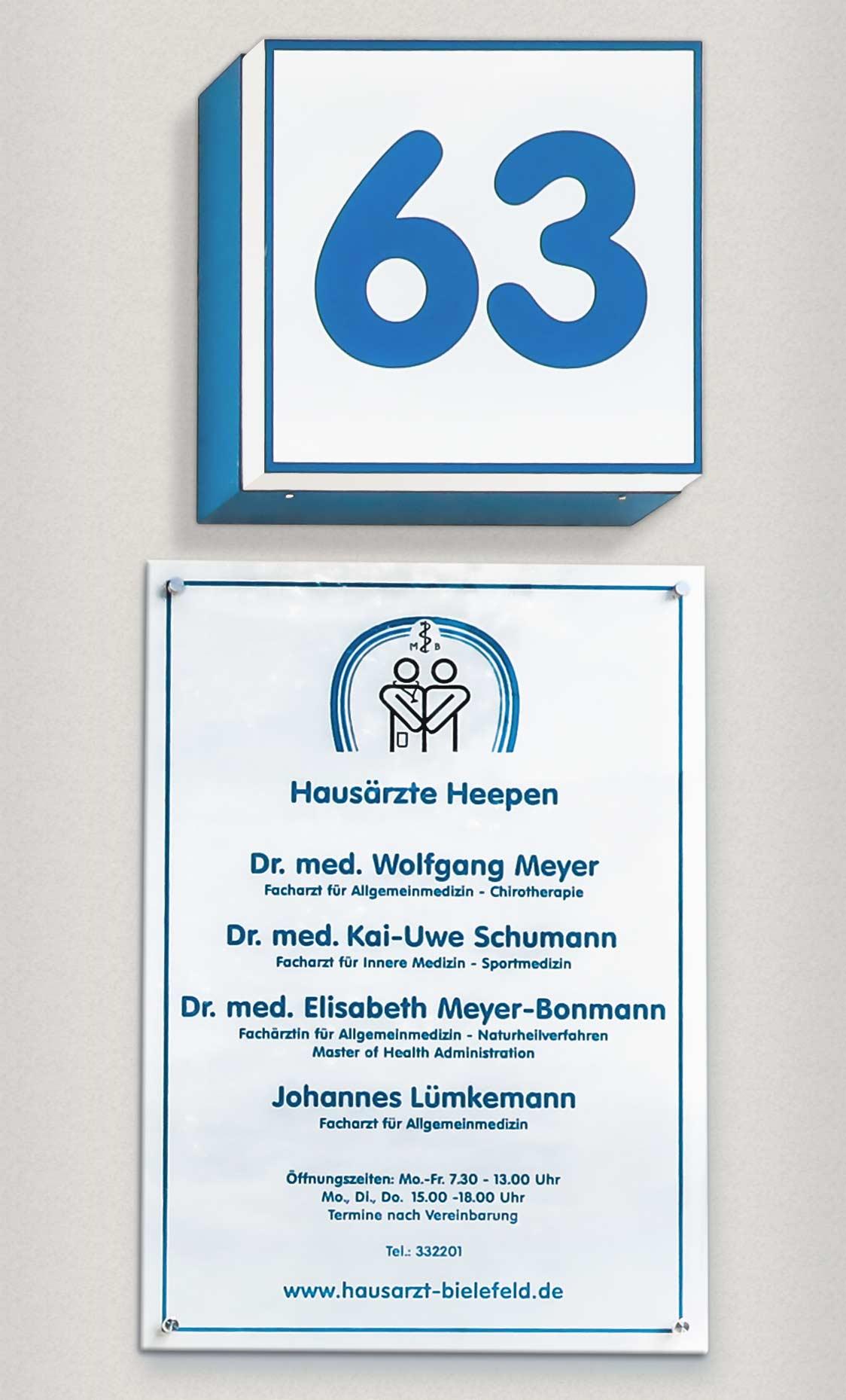 Der Eingang der Hausarzt-Praxis Salzuflerstrasse 63 in Bielefeld